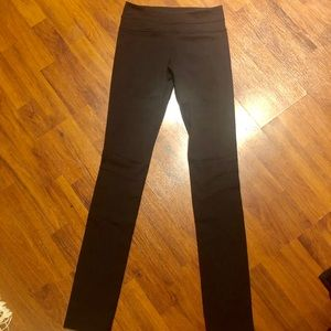 Lululemon Tall Yoga Pants. Size 4. Black.